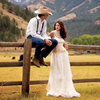 111529-country-and-western-wedding-dresses